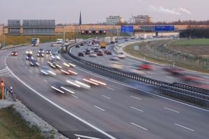 Die Nutzung der Autobahn ist in Frankreich mit Regeln verbunden.