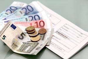 Für ein Bußgeld aus Frankreich kann die Vollstreckung in Deutschland beantragt werden.