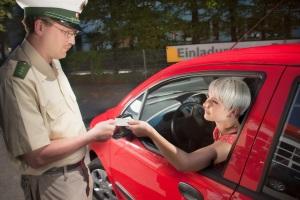 Das PKW-Fahrtenbuch muss auf Verlangen vorgezeigt werden.