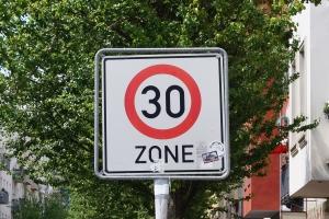 Verkehrsschild f�r Tempo-30-Zone