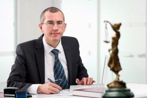 Der Anwalt für Verkehrsrecht hilft beim Einspruch gegen den Bußgeldbescheid