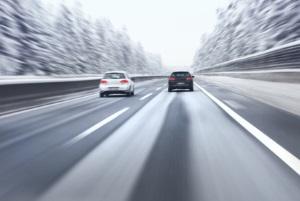 In Finnland kann die Autobahn genutzt werden, um das Land zu erkunden-
