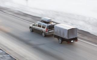 Mit dem Auto nach Finnland: Im Winter bedarf das einiger Erfahrung.
