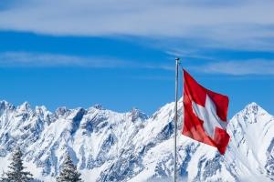 In der Schweiz gibt es keine Winterreifenpflicht.