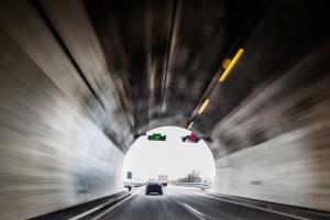 Im Tunnel ist die Sicherheit von großer Bedeutung.
