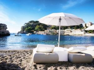 Reisende sollten im Urlaub in Bulgarien nicht die Sonnencreme oder die Zeitumstellung vergessen.